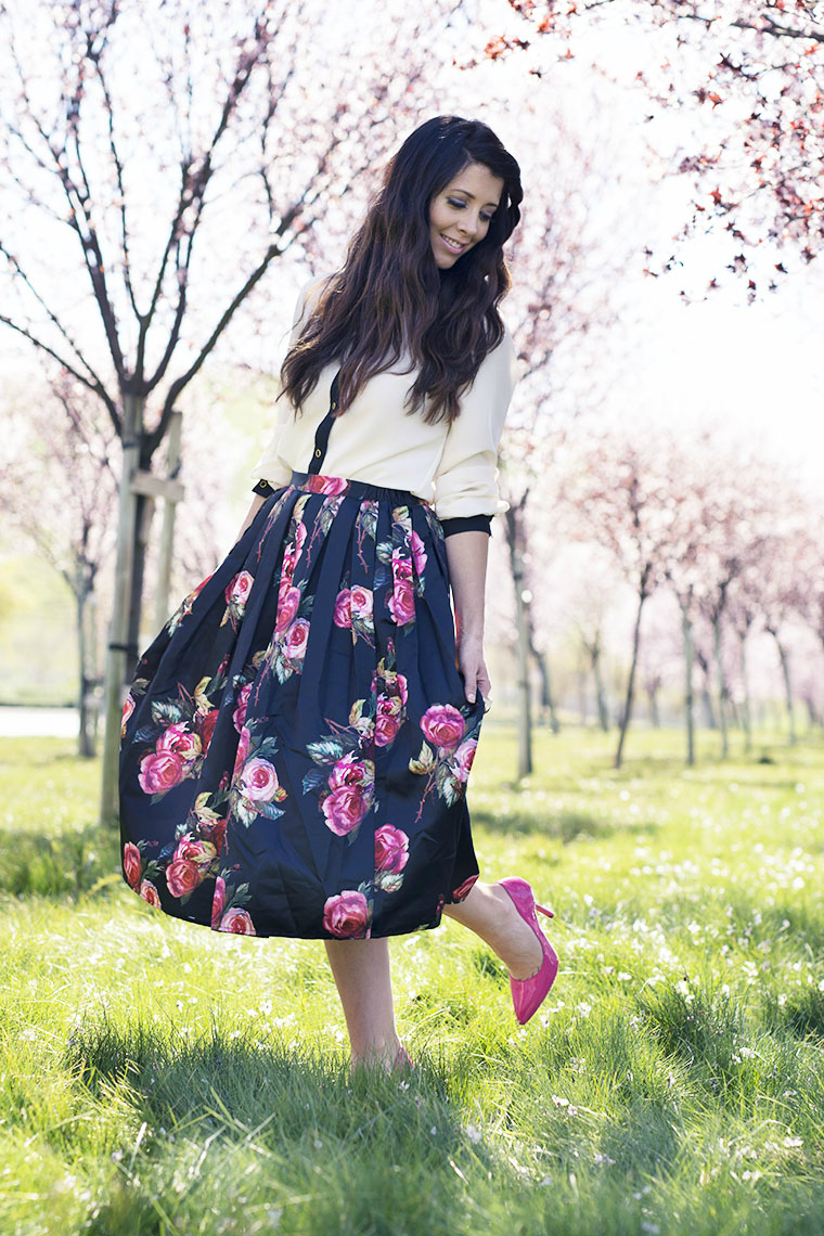 Floral skirt, pink pumps, white & black top
