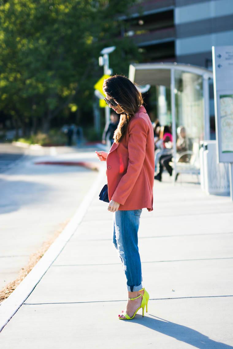 Coral blazer, boyrfirnd jeans, neon heels
