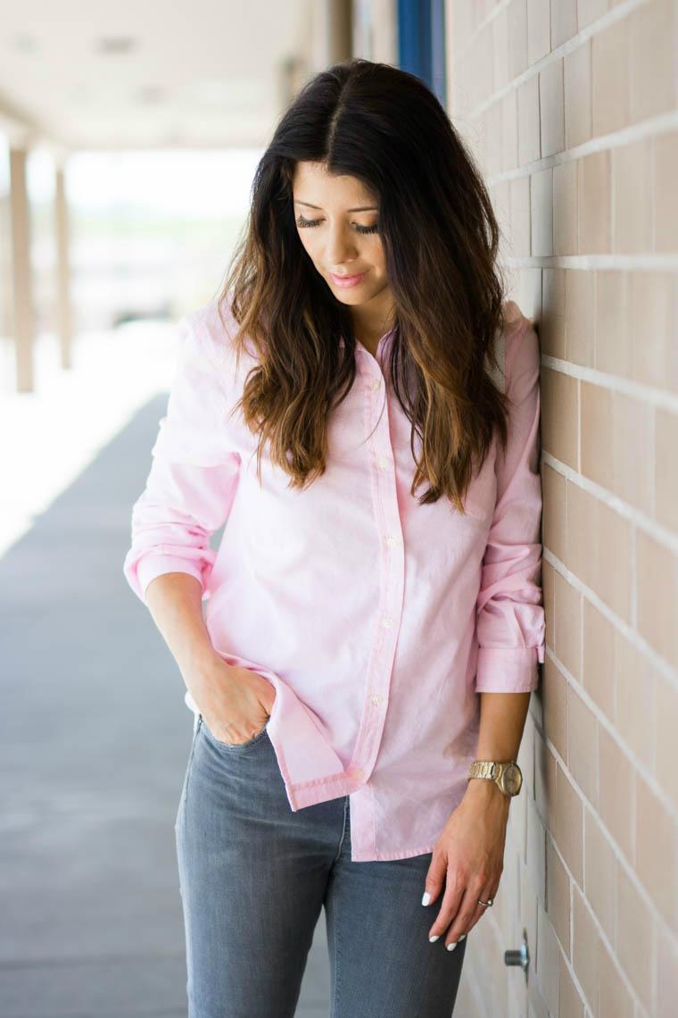 Grey jeans, pink top