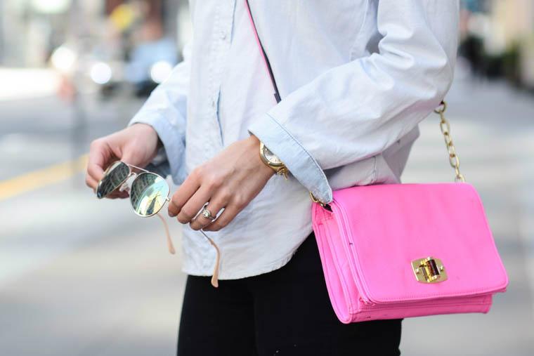 Ray bans, pink bag