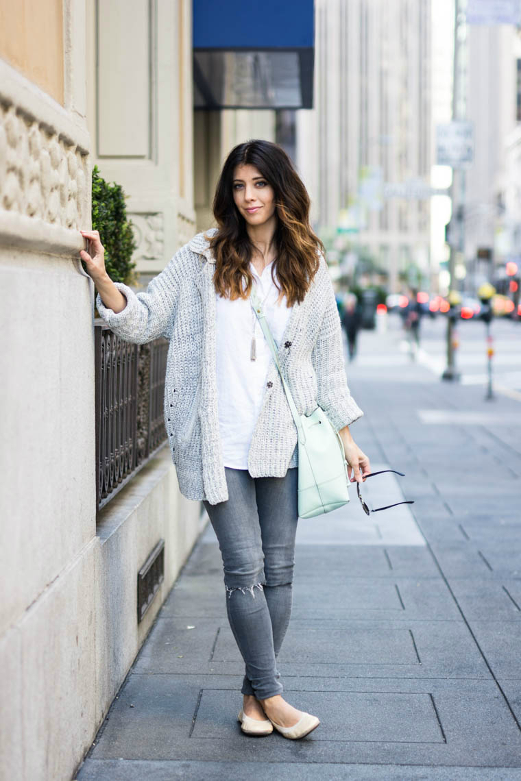 grey jeans, nude flats, sweater