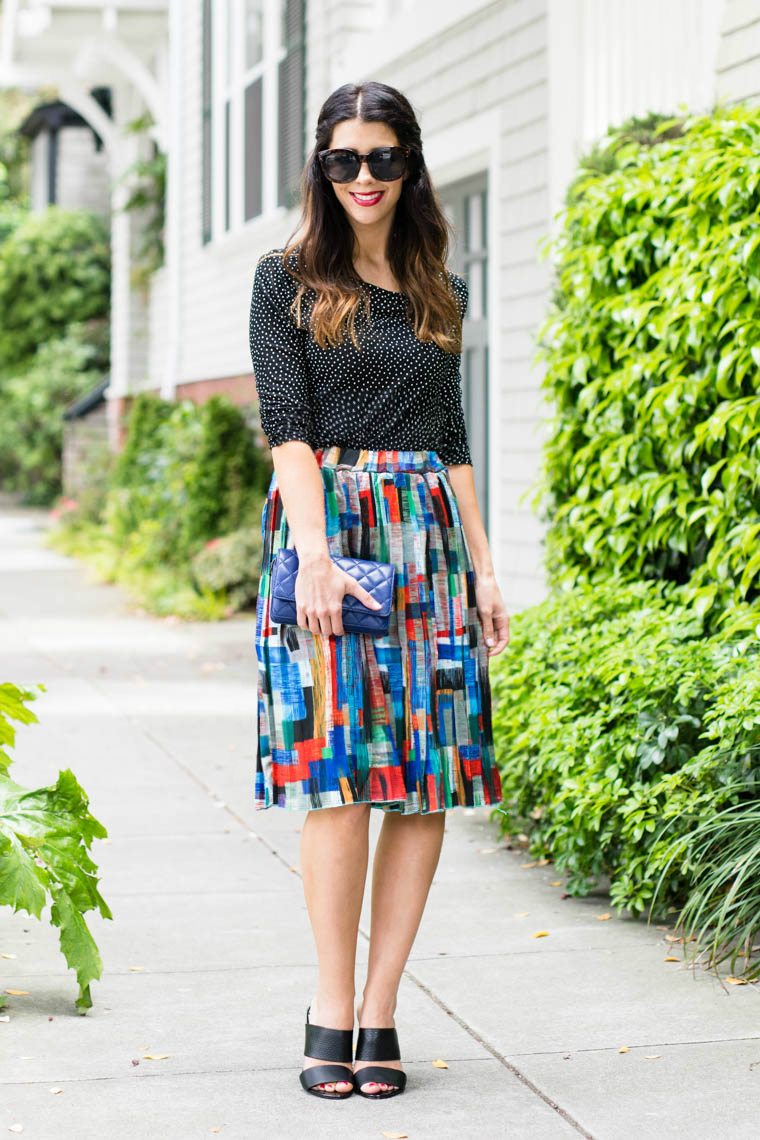 Colorful midi, red lips, black heels, blue clutch