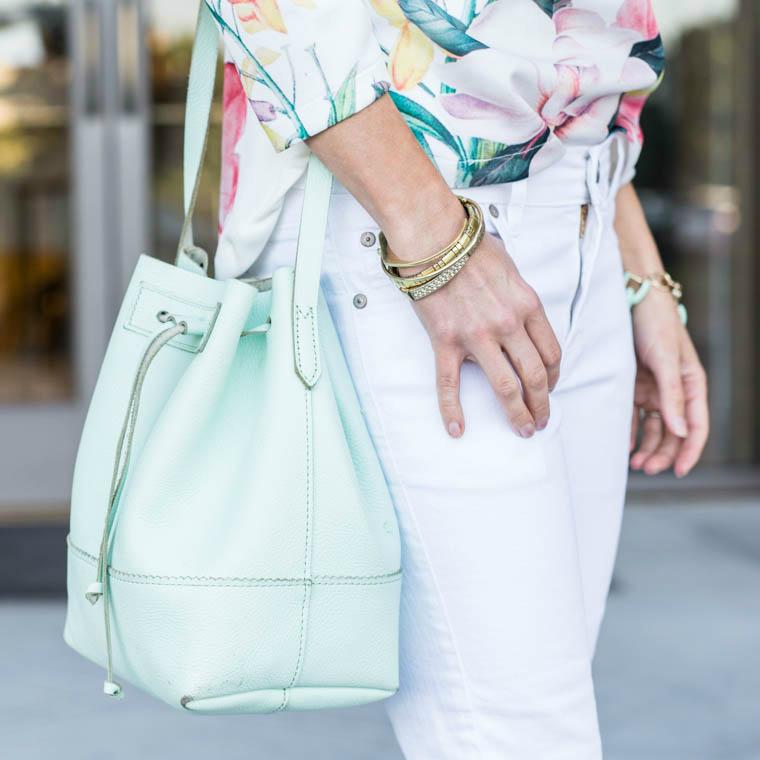 Mint bucket bag, white, floral