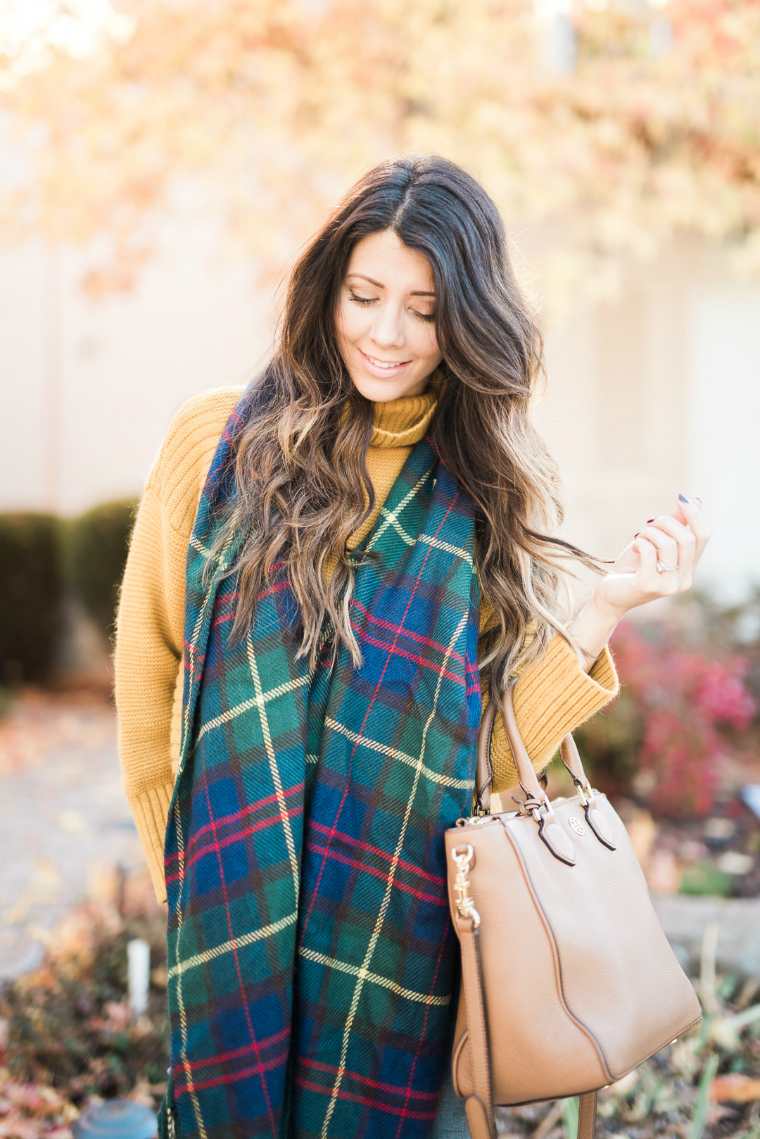 scarf and yellow sweater (13)