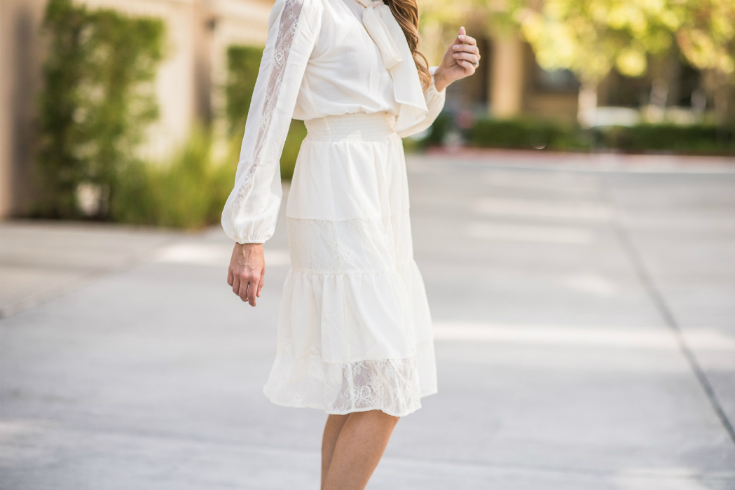 Perfect Holiday Dress | The Girl in the Yellow Dress