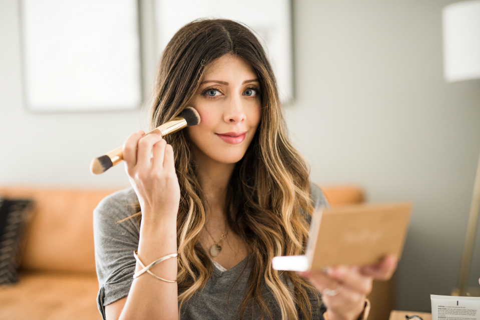 Instant Glow: 5 Minute Makeup (fast and easy)