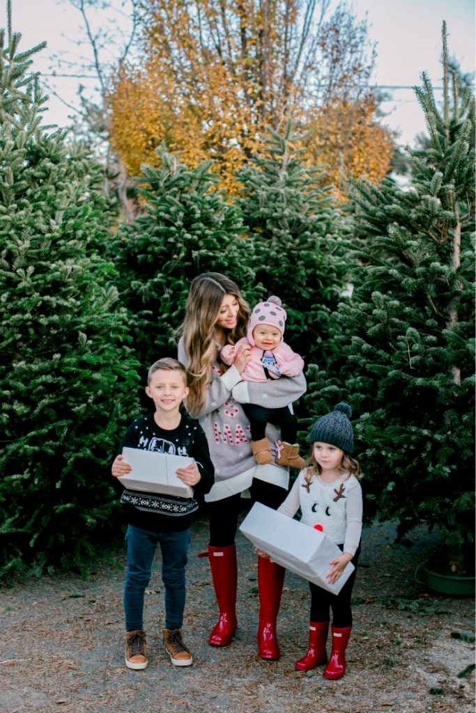 Holiday Sweaters + 5 Favorite Things to During the Christmas Season!