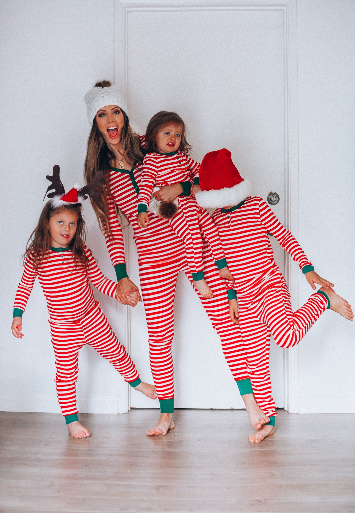 Best Family Christmas Pajamas.Best Christmas Pajamas Family The Girl In The Yellow Dress